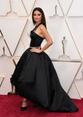 Penélope Cruz wore Chanel at the 92nd Academy Awards in Los Angeles (photo by Jeff Kravitz)