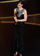 Hildur Gudnadottir wore Chanel at the 92nd Academy Awards in Los Angeles (photo by Kevin Winter)