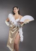 Chiara Zanaica interpreta Dita von Teese . Calendario Beautiful Curvy