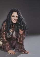 Michela Ballarino interpreta Ashley Graham. Calendario Beautiful Curvy