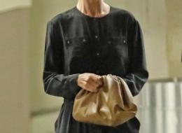 Rosie Huntington-Whiteley carrying the Bottega Veneta Pouch (photo BUFR BGUS )