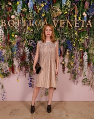 Joséphine de La Baume attends Bottega Veneta's 'The Hand of the Artisan Cocktail Dinner' at Chiswick House And Gardens on November 9, 2017 in London, England. (Photo by David M. Benett/Dave Benett/Getty Images for Bottega Veneta)