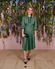 Lady Kitty Spencer attends Bottega Veneta's 'The Hand of the Artisan Cocktail Dinner' at Chiswick House And Gardens on November 9, 2017 in London, England. (Photo by David M. Benett/Dave Benett/Getty Images for Bottega Veneta)