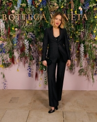 Tess Ward attends Bottega Veneta's 'The Hand of the Artisan Cocktail Dinner' at Chiswick House And Gardens on November 9, 2017 in London, England.