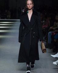 Burberry Fall Winter 2018/19 women's Collection