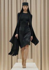 Burberry Autumn_Winter 2021 Womenswear Presentation  Ambient Runway