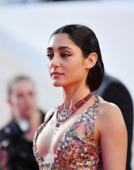 Golshifteh Farahani wore Chanel  at the by Eva Husson Premiere . ph by Emma McIntyre
