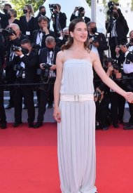 Rebecca Marder wore Chanel  at 74° Cannes International Film festival - photo by Stephane Cardinale - Corbis