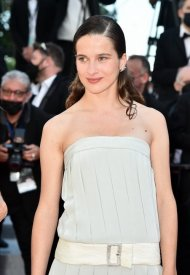 Rebecca Marder wore Chanel  at 74° Cannes International Film festival - photo by Dominique Charriau