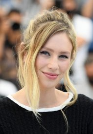 Dylan Penn,  wore Chanel  at 74° Cannes International Film festival - photo by Pascal LeSegretain