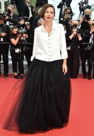 Maggie Gyllenhaal wore Chanel  at 74° Cannes International Film festival - photo by  Dominique Charriau
