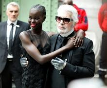 Karl Lagerfeld et Adut Akech