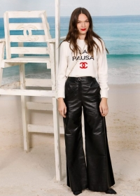 Anna Brewster Chanel Spring Summer 2019 Ready to Wear Collection (© 2018 CHANEL - LEGAL STATEMENT)