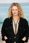 Vanessa Paradis Chanel Spring Summer 2019 Ready to Wear Collection (© 2018 CHANEL - LEGAL STATEMENT)