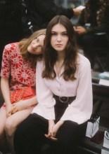 Lily Taieb & Anamaria Vartolomei Chanel : Photocall - Paris Fashion Week - Womenswear Spring Summer 2020