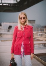Sasha Luss . Chanel : Photocall - Paris Fashion Week - Womenswear Spring Summer 2020