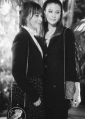 Rashida Jones & Kenya KinskiJones wore Chanel at the 92nd Academy Awards in Los Angeles