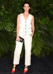 Caitriona Balfe wore Chanel at the 92nd Academy Awards in Los Angeles