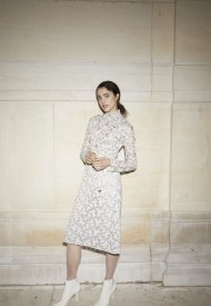 Margaret Qualley wore Chanel at Chanel Haute Couture Fall Winter 2021/22 - photo by Benoit Peverell