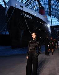 Kim Go-eun Chanel 2018-19 Cruise Collectionin Paris . ph by Pascal Le Segretain