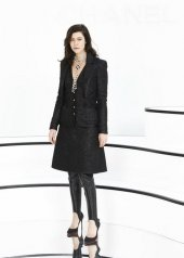 Anna Mouglalis special guests at Chanel Fashion Show FW2021 . photo © by Julien Hekimian