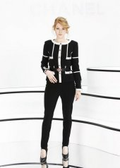 Emily Beecham special guests at Chanel Fashion Show FW2021 . photo © by Julien Hekimian