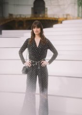 Clara Luciani special guests at Chanel Fashion Show FW2021