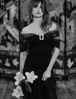 Penelope Cruz - Chanel Haute Couture Spring Summer 2021 Family Portraits Book Paris 2021 © Anton Corbijn