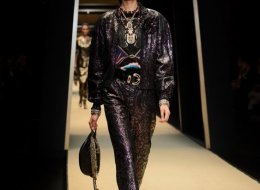 Paris-New York 2018-19 Chanel Metiers d'art show in Seoul - pictures by Olivier Saillant Look