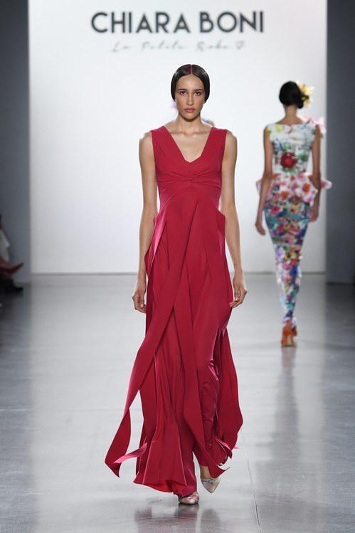a64b9272a8f6 Chiara Boni La Petite Robe steals Gaugin s palette - Spring Summer 2019  collection