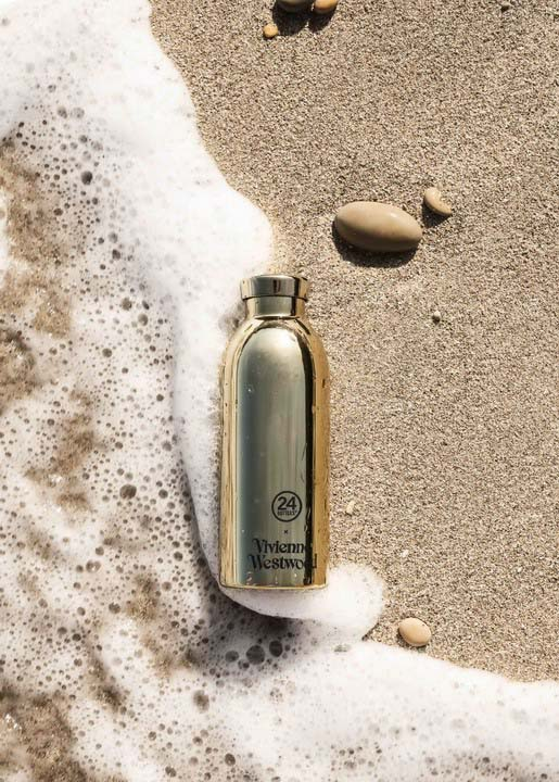 01 - Vivienne Westwood . Small Gifts Climate Revolution . Clima Bottle
