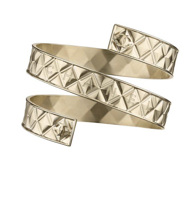 32 - Chanel Cruise Paris collection Golden metal arm bracelet