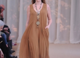 Vanessa Incontrada brings the new 2019 Spring Summer collection for Elena Mirò to the catwalk