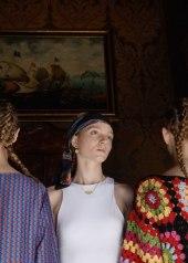Top La Vie En Rosalia, foulard Mariella Gennarino Maison Baroccoro jewels