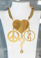 Sharra Pagano . Peace and Love, 1978 .Collana / necklaceOttone galvanizzato oro / gold galvanised brass