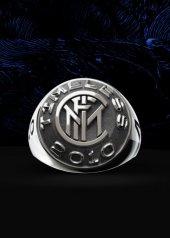 Nove25 presenta l'anello celebrativo del Triplete  dell'Inter