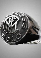 Nove25 presenta anello celebrativo Triplete  Inter