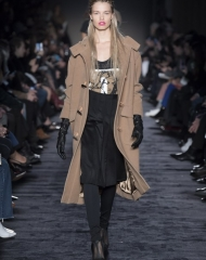 Max Mara Fall Winter 2018/19  women's collection