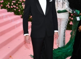 Alexander Skarsgard wearing Buberry at the Metropolitan Museum of Art's Costume Institute Gala 2019 photo by Dimitrios Kambouris
