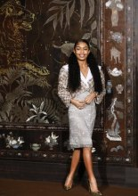 Yara Shahidi Chanel Metiers D'Art 2019-2020 (photo by Julien M. Hekimian)