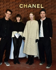 Tom Tykwer and Marie Steinmann-Tykwer with and Juliet Kothe and Lars Eidinger Chanel Chanel Métiers d'art Paris-Hamburg 2017 (Photo by Alexander Koerner/Getty Images for Chanel)