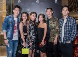 (L-R) Chase Tan, Saffron Sharpe, Nellie Lim, Novita Lam, Ayden Sng, Alexander Yue
