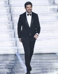 Pierfrancesco Favino in Giorgio Armani - Sanremo_2018 (ph. by Getty Images)