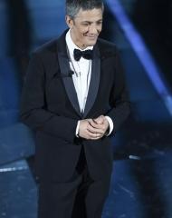 Fiorello in Giorgio Armani- Sanremo_2018 (Ph by Getty Images)