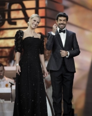 Michelle Hunziker in Giorgio Armani Privè, Pierfrancesco Favino in Ermenegildo Zegna Couture . Sanremo (photo Angelo Trani)