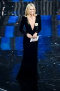 Michelle Hunziker in Giorgio Armani Privè . Sanremo_2018 (ph by Getty Images)