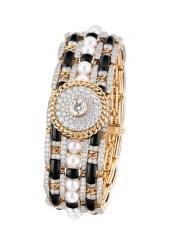 Chanel Tweed Contraste Watch closed