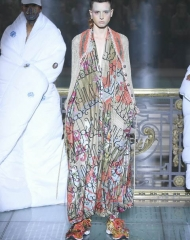 Vivienne Westwood collection is entirely dedicated to Andreas Kronthaler Spring Summer 2018 women's Collection