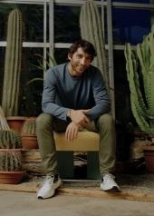 Derek Castiglioni . Voile Blanche People