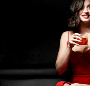 Campari Entering Red, short movie interpretato da Ana De Armas